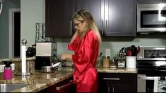 Stepmom breakfast creampie - Message lonely housewives! MilfHoookup.com